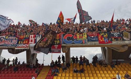 Calcio CalabriaSerie B, Lapadula scatenato: tris del Benevento al Cosenza