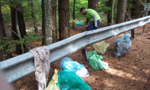 L'iniziativaPuliamo l'Aspromonte: volontari in azione per liberare il Parco dai rifiuti abbandonati