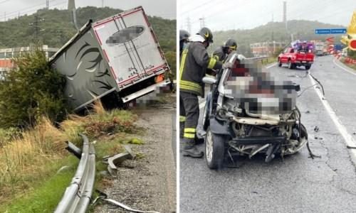 L'autocarro e la Smart coinvolti nel drammatico incidente