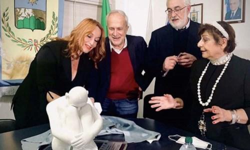"""La rassegnaA Figline Vegliaturo il festival """"Diàlogos"""" promuove arte e filosofia: premiato il luminare Pietro Bria"""
