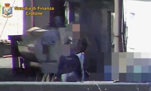 Operazione TurosArresti usura nel Crotonese, nelle intercettazioni le minacce alle vittime: «Vengo sotto casa tua»