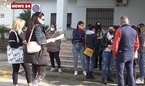 Il sit inCasi Covid nelle scuole di Pizzo, genitori in protesta: «Situazione fuori controllo»