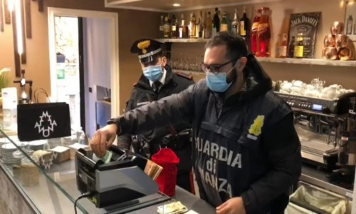 Operazione ragantelaMaxisequestro nel Bolognese: arrestati 2 crotonesi per associazione a delinquere ed estorsione