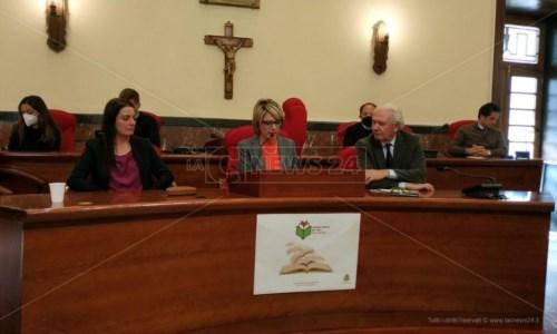Il sindaco Maria Limardo durante la conferenza stampa