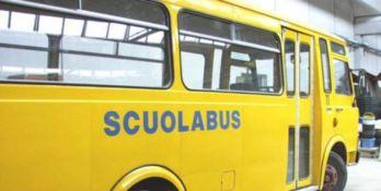 Roggiano, autista di scuolabus ai domiciliari per violenza sessuale su minore