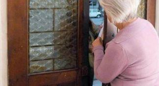 Truffe agli anziani, blitz in tutta Italia: trentuno indagati