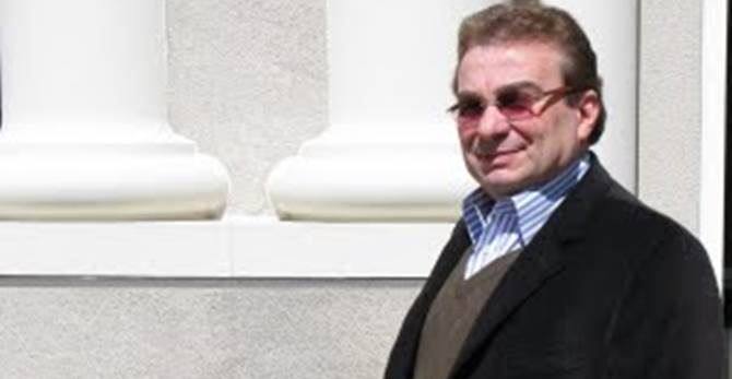 Professor Roberto Crea