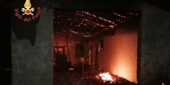 Incendio in capannone a Decollatura