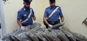 Sorpreso in auto con la droga, arrestato 60enne nel Catanzarese
