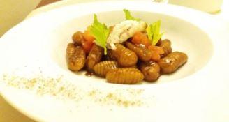 LA RICETTA DELLO CHEF | Orecchiette rigate con limetta, zenzero e scampi in salsa bisque e soia