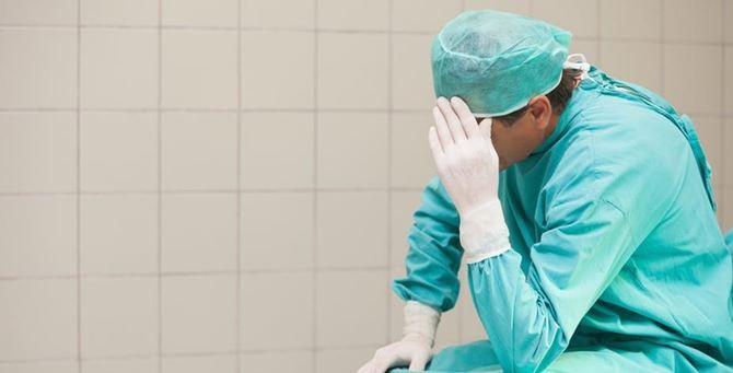 Un medico stanco