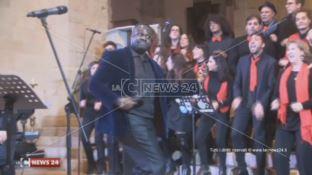 Gli auguri del sindaco Occhiuto tra il concerto gospel e il Piccolo Coro del Rendano (VIDEO)