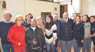 Donati alimenti per il pranzo di Natale alla mensa di Reggio
