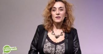 Donne vittime di violenza, il WhatsApp di Anna Macrì