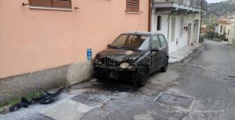 Catanzaro, in fiamme l'auto dell'ex assessore Mungo
