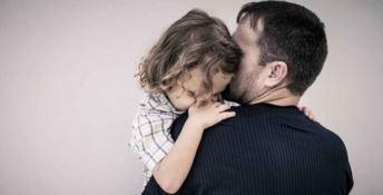Nel giorno della loro festa il dramma di tanti papà separati lontani dai figli (VIDEO)