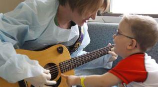 A Natale la musica arriva nei reparti di pediatria
