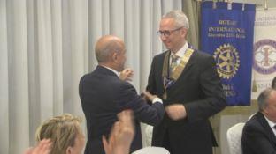 Il Rotary di Lamezia premia il tenore Leonardo Caimi