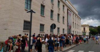 Visitatori in fila al Museo di Reggio - Repertorio