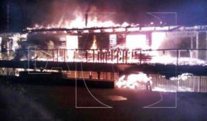 Incendio devasta noto lido balneare a Squillace (FOTO-VIDEO)