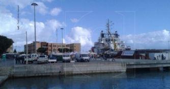 Ancora sbarchi in Calabria, al porto di Vibo Marina 548 migranti