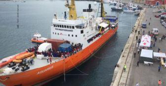Ancora sbarchi in Calabria, a Vibo Marina giunti 560 migranti (FOTO)