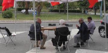 Secondo giorno di sit in all'ospedale di Lamezia, ma la città e la politica latitano