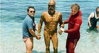 """L'enigma dei Bronzi di Riace: una terza statua """"donata"""" al presidente Bush? (VIDEO)"""