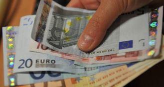 Assolda affiliati della 'ndrangheta per recuperare credito, 5 arresti in Toscana