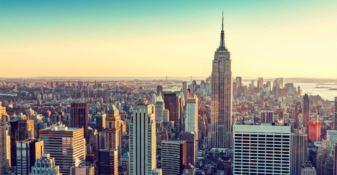 L'artista cosentina Granata vola a Manhattan per omaggiare il capo della Polizia di New York