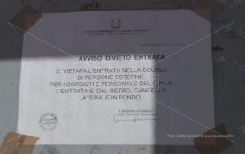 Lamezia, nella scuola Borrello ingressi separati per stranieri e italiani (FOTO)