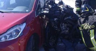 Catanzaro Lido, scontro auto-moto su viale Crotone
