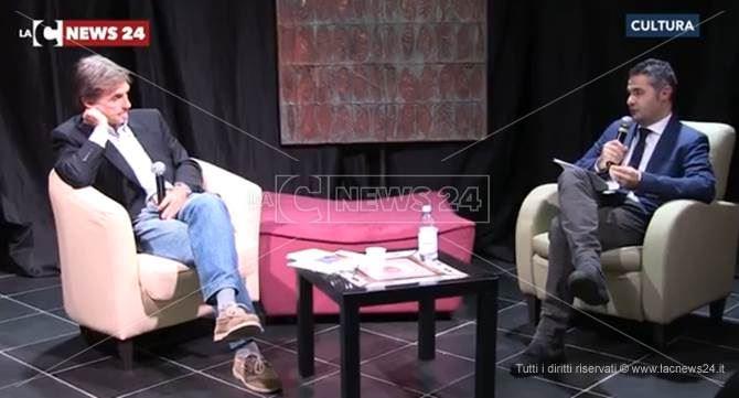 Il saggista Crapis con il giornalista Mandarano