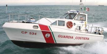 Motore in avaria, soccorsa imbarcazione con bambini a bordo