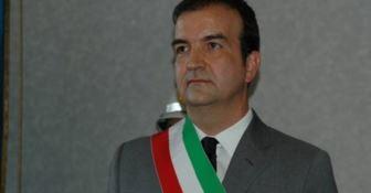 """Il volantino di Mario Occhiuto """"presidente"""" fa imbufalire dissidenti e alleati"""