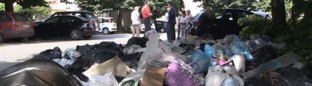 Caos rifiuti a Vibo, arrivano i vigilantes per punire gli incivili: e intanto in Procura…