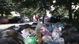 A Vibo è piena emergenza ambientale: spazzatura fin dentro le case e cittadini sul piede di guerra
