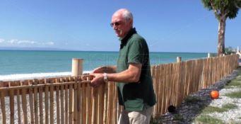 Gizzeria e il lido divorato dal mare. Il titolare: «Spazzati via i sogni della nostra estate»