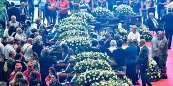 Tragedia di Genova: le lacrime di una nazione. L'ultimo saluto alle vittime tra dolore e rabbia