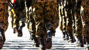 L'esercito arruola medici e infermieri per affrontare l'emergenza coronavirus