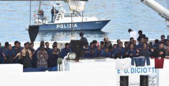 Tripodi: «Migranti sequestrati sulla Diciotti. Il governo la smetta»