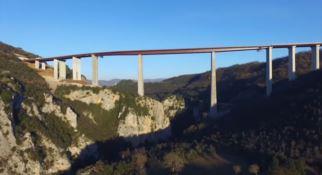 """La Calabria e i suoi ponti. Dal Bisantis all'Italia, la """"griffe"""" di Morandi"""