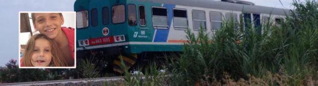 Bimbi uccisi dal treno, il dolore del padre di Lorenzo e Gilla: «Non si può morire così»
