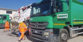 Benzina e proiettili per la ditta che gestisce i rifiuti a Vibo Valentia