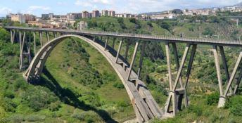 Ponte Bisantis a Catanzaro, ribadita l'interdizione ai mezzi pesanti