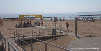"""Spiaggia per disabili a Crotone: parte """"Nessuno si senta escluso"""" - VIDEO"""