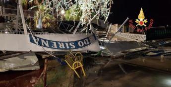 Tromba d'aria a Catanzaro, distrutto uno stabilimento balneare -VIDEO