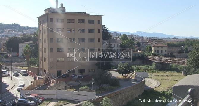 L'ex hotel Jolly a Cosenza