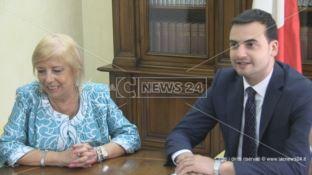 Il sottosegretario agli Interni Sibilia in visita alla Prefettura di Cosenza: «Vorrei un esercito culturale»