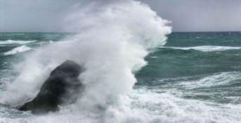 Mareggiata spazza via il litorale di Corigliano-Rossano